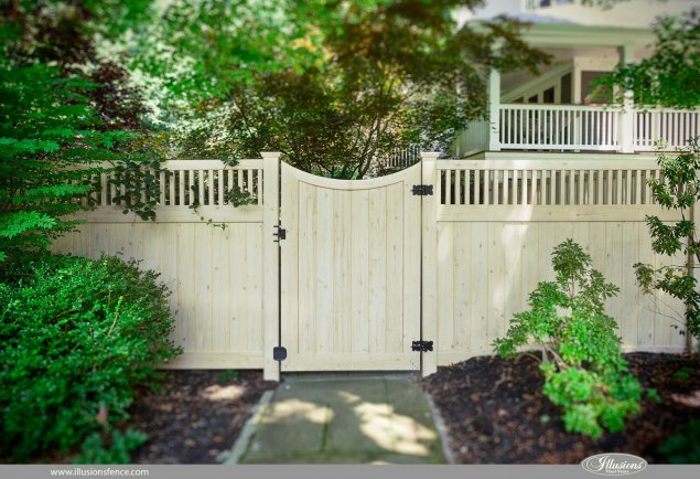 pvc vinyl wood grain accent gate from illusions fence