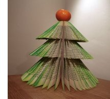 Learn how to make this tree at http://www.instructables.com/id/Book-Xmas-tree/