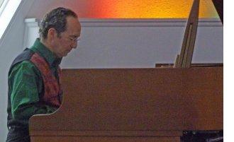 https://www.urlight.org/summer-solstice-concert-with-richard-shulman-sunday-june-23rd-2pm/
