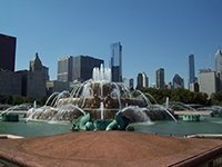 Photo of the Bunckingham fountain in Chicago's Grant Park.