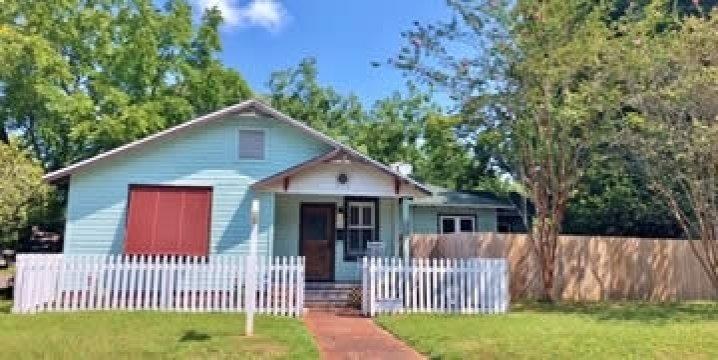 1300 E Yonge St, Pensacola, FL 32503